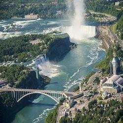 ข้อมูลเที่ยวแคนาดา : น้ำตกไนแอการาแคนาดา