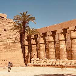 สถานที่ท่องเที่ยวที่น่าสนใจ อาหารที่ต้องลองรับประทานและการเดินทางในอิยิปต์