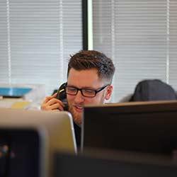 ข้อมูลเที่ยวเนเธอร์แลนด์ : ศูนย์บริการข้อมูลและช่วยเหลือนักท่องเที่ยวในอัมสเตอร์ดัม