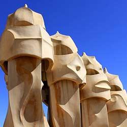 ข้อมูลเที่ยวสเปน : ตึกประหลาด คาซา มิลา