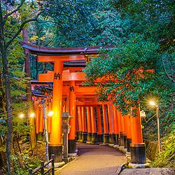 ข้อมูลเที่ยวญี่ปุ่น : ศาลเจ้าฟูชิมิ อินาริ (Fushimi Inari Shrine)