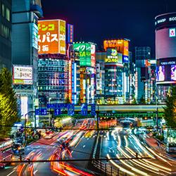 ชินจูกุ ศูนย์รวมความบันเทิง ช๊อปปิ้งและชุมทางขนส่ง แห่งญี่ปุ่น