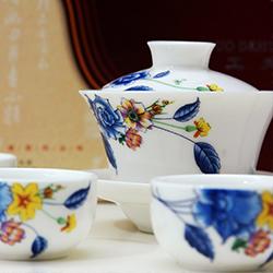 ข้อมูลเที่ยวฮ่องกง : พิพิธภัณฑ์ชุดน้ำชาแฟลกสตั้ฟเฮาส์