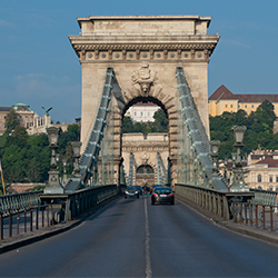 ข้อมูลเที่ยวประเทศฮังการี : สะพานเชน (Chain Bridge)