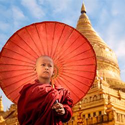 ข้อมูลเที่ยวพม่า : ประเพณีของประเทศพม่า ประเพณีปอยส่างลอง (Poy Sang Long) หรืองานบวชลูกแก้ว