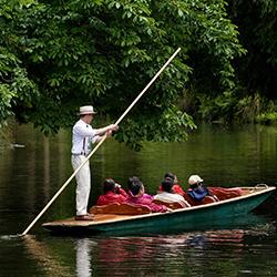 ข้อมูลเที่ยวนิวซีแลนด์ : นั่งเรือในแม่น้ำเอวอน ( Avon River )