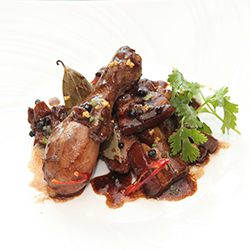 ข้อมูลเที่ยวฟิลิปปินส์ : อาหารประเทศฟิลิปปินส์ อโดโบ้ (Adobo)