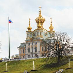 ข้อมูลเที่ยวรัสเซีย : พระราชวังฤดูร้อนปีเตอร์ฮอฟ (petrodvorets)