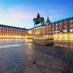 ข้อมูลเที่ยวสเปน : พลาซ่ามายอร์ (Plaza Mayor)