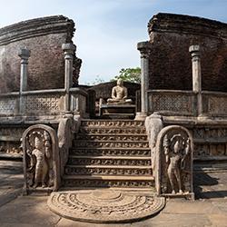 ข้อมูลเที่ยวศรีลังกา : เมืองโปลอนนารูวา ( นครหลวงโบราณของศรีลังกา )