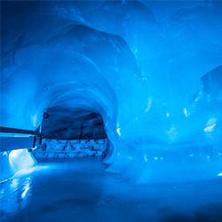 ข้อมูลเที่ยวสวิตเซอร์แลนด์ : ถ้ำน้ำแข็ง (Glacier Grotto)