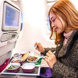 การบินไทย สั่งปรับเมนูอาหารบนเครื่องใหม่ หลังโดนบ่นมากกว่าชม