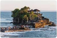 จัดกรุ๊ปทัวร์อินโดนีเซีย : ชมวัดกลางทะเล