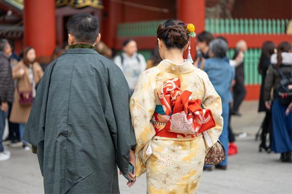 18 ภาพถ่ายจากประเทศญี่ปุ่นสวยๆ ที่คุณอาจไม่เคยเห็น,ขอพร,ไหว้พระ,วันเซนโซจิ